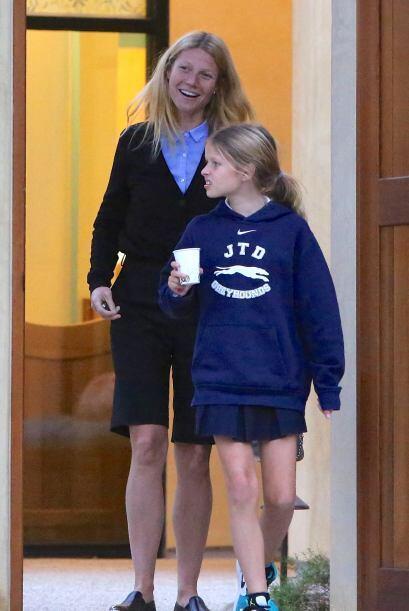 La actriz llevó a su hija Apple a un centro holístico de terapias y sali...