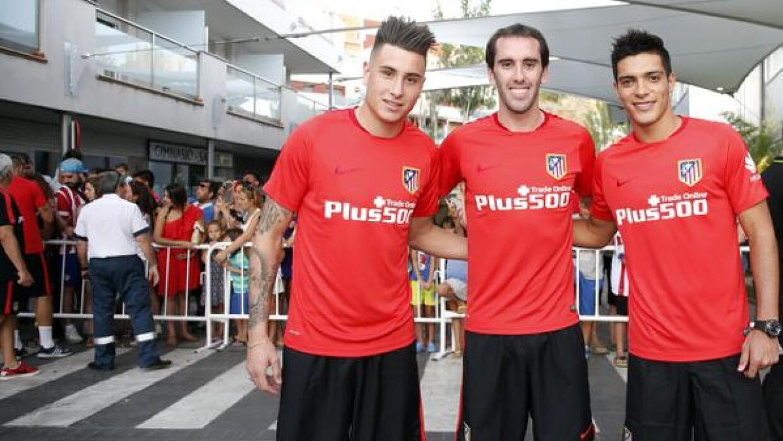 Raúl Jiménez, Diego Godín y José María Giménez