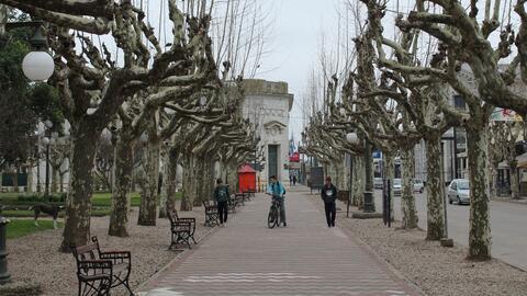 La Plaza Mitre, desde el punto de vista del Banco Provincia.