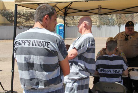 Pero el sheriff insiste que no importa si los presos hicieron drogas pue...
