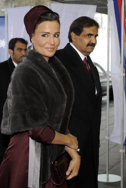 Sheikh Hamad bin Khalifa al-Thani, Emir de Qatar,  y su mujer Sheikha Mo...