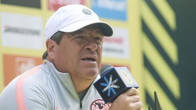 Miguel Herrera considera necesario erradicar las barras bravas en el fútbol mexicano