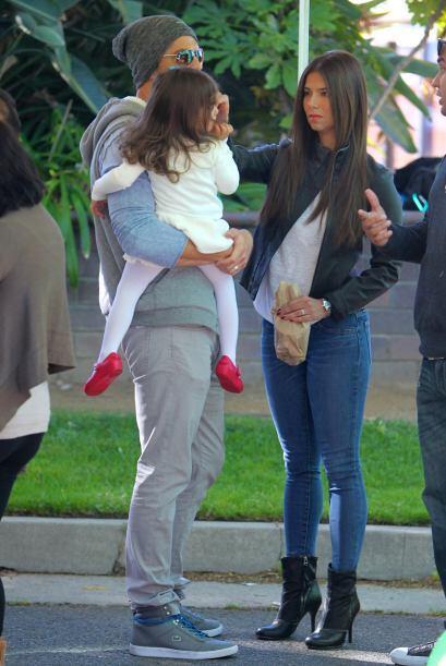 Roselyn adora a su familia y cuida de su hijita Sebella en todo momento.