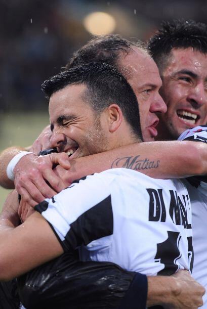 En el segundo tiempo al minuto 64 Antonio di Natale realiza el segundo g...