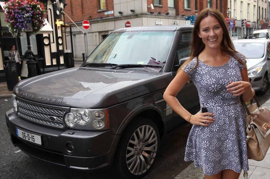 En el garaje de Conor McGregor hay lugar para una Range Rover, aquí junt...