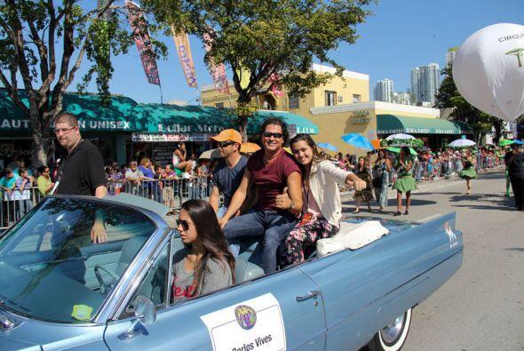 El cantautor Colombiano saluda a todos sus fans y el publico de Miami.