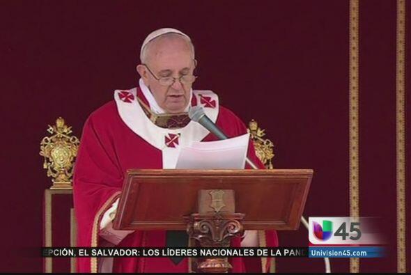 Luego de la explosión, el Papa Francisco envió sus condolencias por medi...