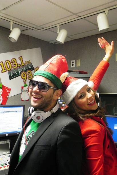 ¡Feliz Navidad por parte de Latino Omarcillo y Nicole!