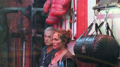 Jennifer López luce sexy hasta con guantes de box