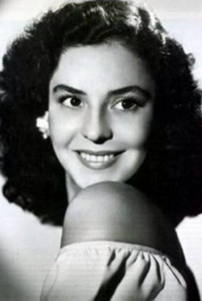 ¿Ya la reconocieron? Claro, estamos hablando de la primera actriz Silvia...