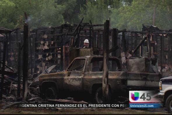 Un incendio afectó dos viviendas al sur de Houston y vecinos creen que s...