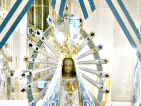 La Virgen de Luján o Nuestra Señora de Luján es la...