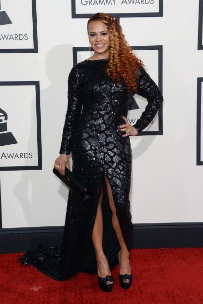 El vestido de Faith Evans tampoco fue uno de los más lindos de la gala.