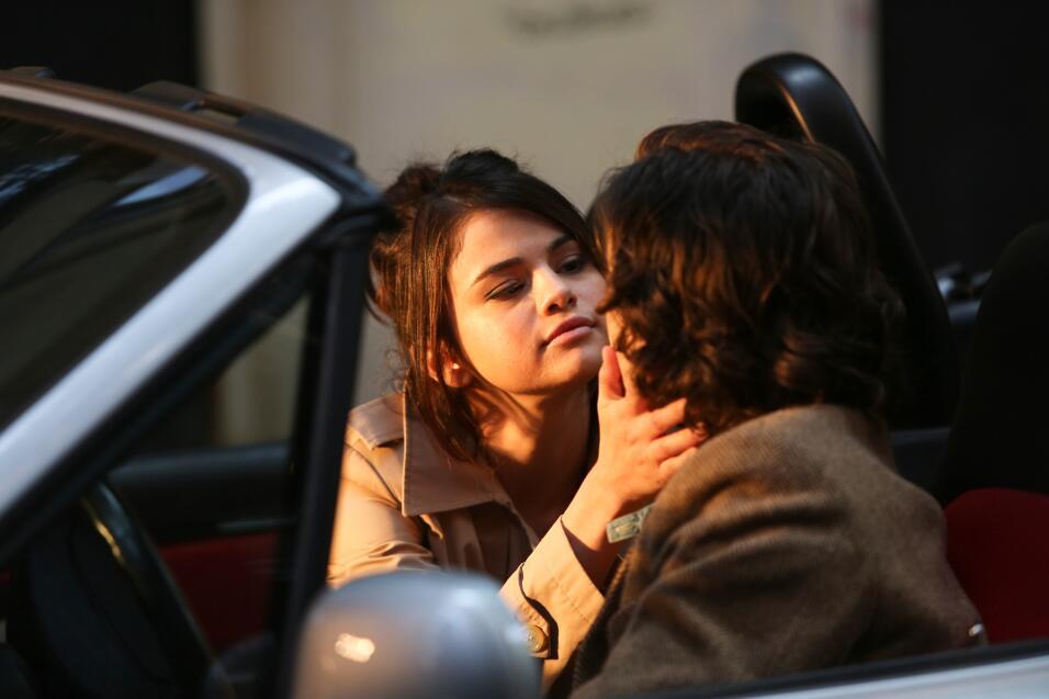 Mientras Selena Gomez filmaba con Timothée Chalamet, The Weeknd la esper...