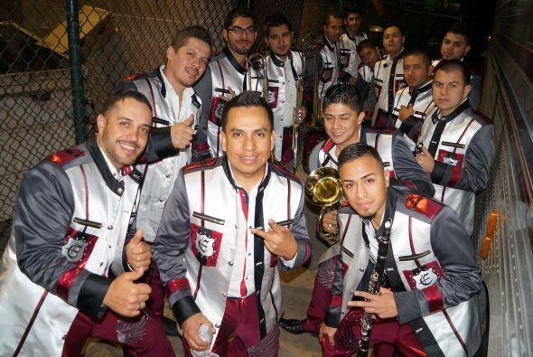 Agrupaciones musicales en Los Ángeles hay muchas, y los mú...