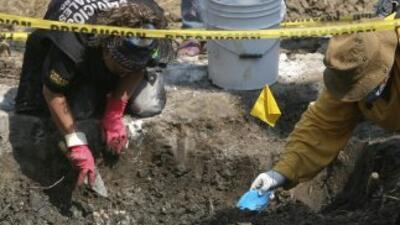Las autoridades policiales encontraron fosas clandestinas.