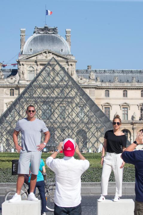 Como cualquier turista, aunque los zapatos que Jennifer López escogió pa...