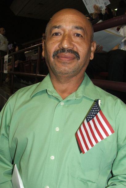 """""""scar Armando Pineda  Es salvadoreño, tiene 55 años y tres hijos. Se ded..."""