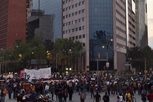 Así lucían las calles volcadas de manifestantes.