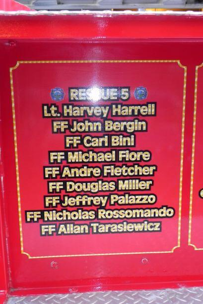 Carro bombero recuerda a sus caídos el 9/11 eddd5c7cd18140b29705317f6944...