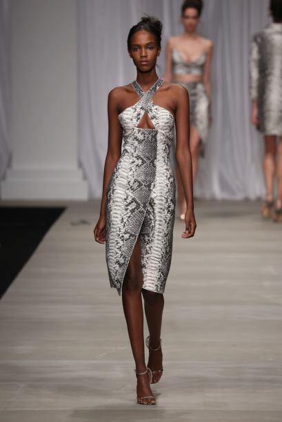 La víbora será una excelente opción para portarla en sensuales vestidos....