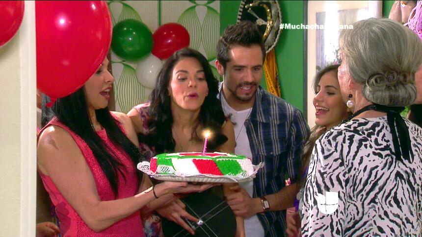 ¡Fiesta, Fiorella festejó su cumpleaños! C276ADF40F3D4822A312218C8ED3782...