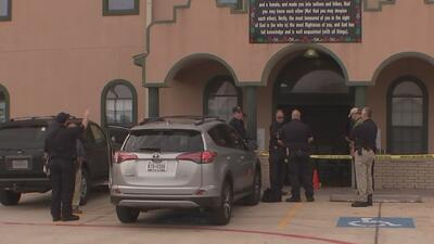 Autoridades locales y federales investigan el incendio en una mezquita, el cual al parecer fue intencional