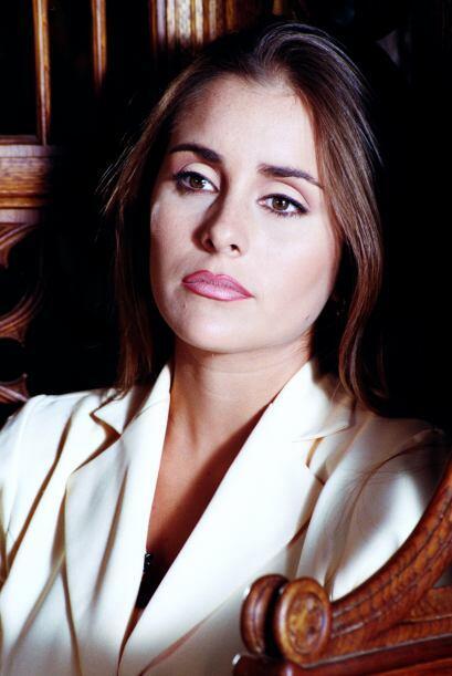 """""""Fátima"""" (Karyme Lozano) es una mujer muy inteligente pero siempre ha ch..."""