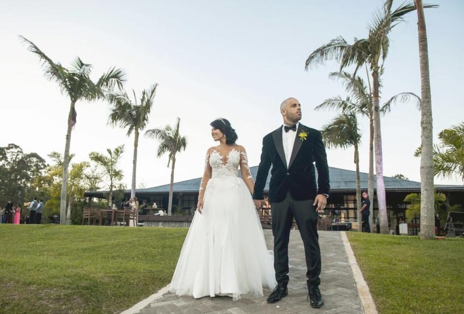 Nicky Jam y la modelo colombiana Angélica Cruz se casaron en Mede...