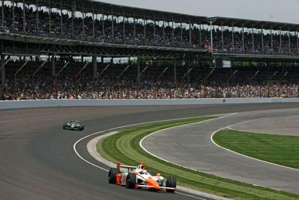 Wheldon, quien ganó la Indy 500 en el 2005, parecía resignado.