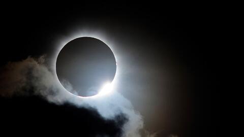 Eclipse solar y extraterrestres: La extraña combinación que celebran en...