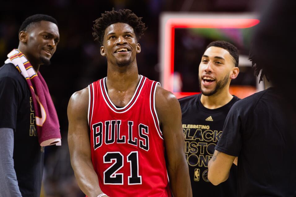 13- Jimmy Butler, número 21, Chicago BullsEstadísticas 2016-201722.7 Pun...