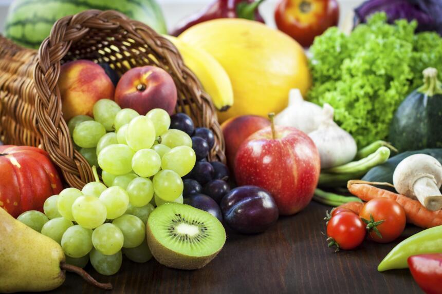 La Organización Mundial de la Salud (OMS) refiere que las frutas y las v...