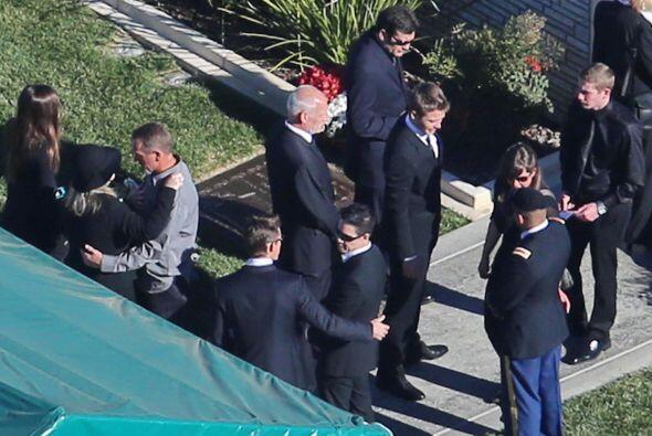 Aquí se pueden ver a los hermanos de Paul, Cody y Caleb.  Mira aquí los...