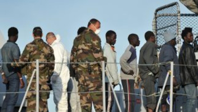 Más de 5,800 personas fueron rescatadas en el Mediterráneo este fin de s...
