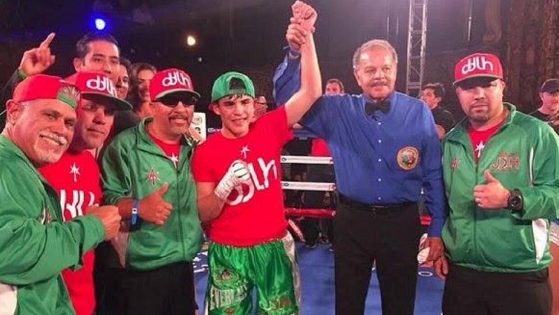 De la Hoya ganó título juvenil.