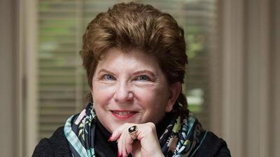 Delaine Eastin, una de las aspirantes demócratas a la gobernación de Cal...