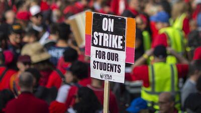 Después de cinco días de huelga, se llega a un acuerdo tentativo en relación a trabajadores de mantenimiento