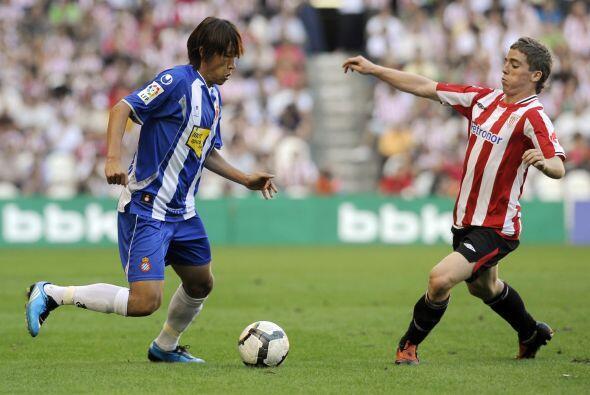 Este talentoso extremo surgió de la cantera del Athletic de Bilbao y deb...