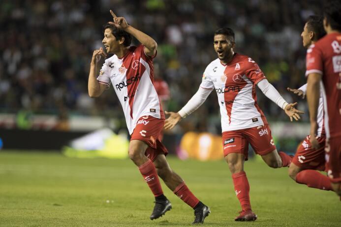 En fotos: Necaxa golea 4-0 al León que soñaba con el liderato general go...