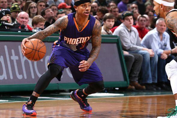 6 de Enero - Suns (21-16) ganan 102 - 96 a Bucks (18-18). Markieff Morri...