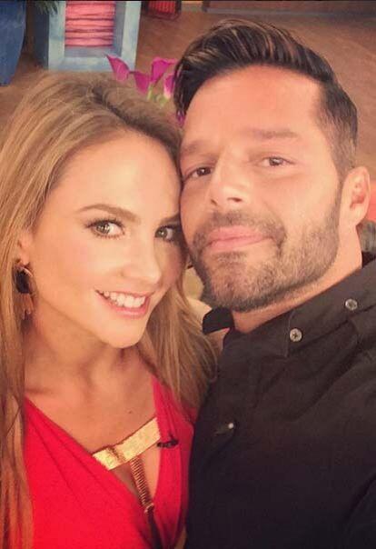 """""""¡Ésta es mi selfie favorita! Porque la tomo el propio Ricky Martin ¡qué..."""