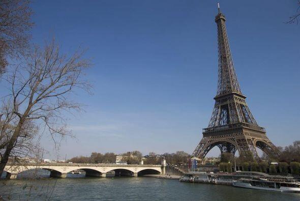 Su obra de 300.65 metros era la torre más alta del mundo.