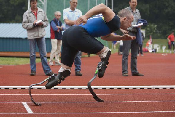 Durante su carrera deportiva se cuestionó si las prótesis que utiliza le...