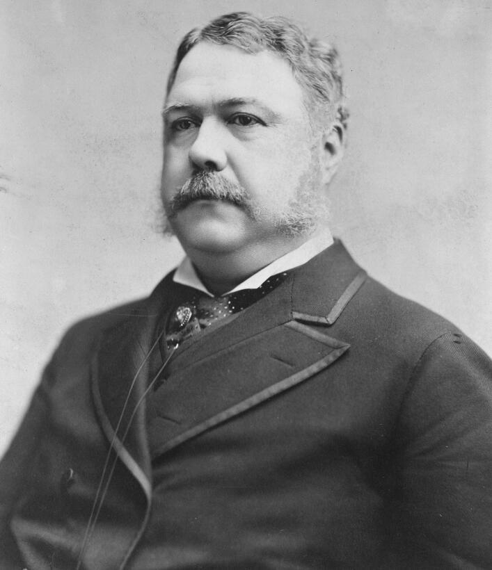 Vicepresidente de Garfield, Chester A. Arthur (1829–1886) fue famoso por...