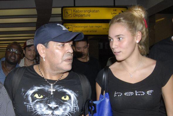 Recientemente circuló un vídeo en el que agredía a su ex pareja Rocío Ol...
