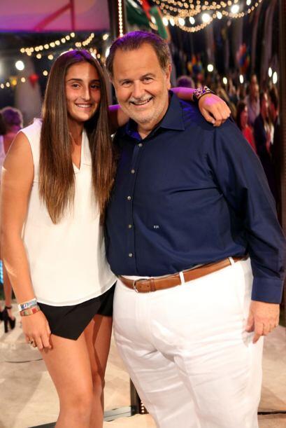Rauli siempre muy bien acompañado por su hija Mía.