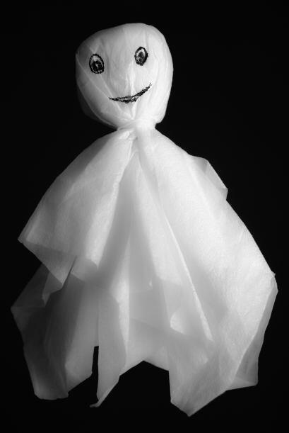 Luces ¡de fantasmas! Si quieres hacer una guirnalda de luces, puedes opt...