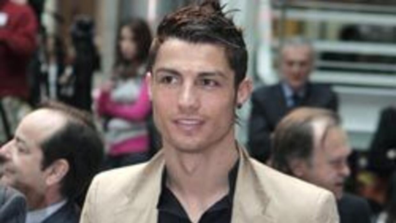 Cristiano Ronaldo es padre soltero 1e9d5a38c2f6461c9ade5e0a36cd7baa.jpg