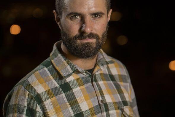 Nacido en los suburbios de París, Ciarán Herteau es kayakista, cineasta...